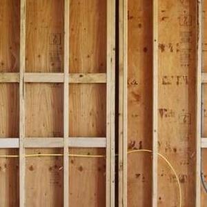 Drewniana ścianka 01